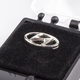 Hyundai Pin versilbert
